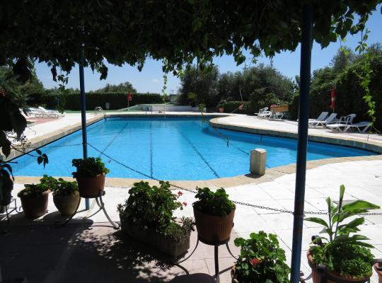 Хотел снимки: Hostal San José