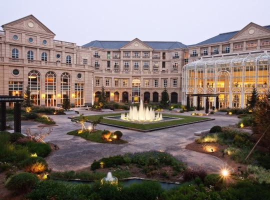 Fotografii: Tianjin Goldin Metropolitan Polo Club Hotel