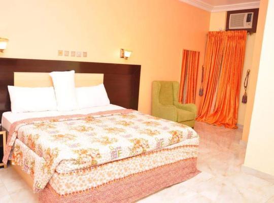 Hotel photos: Brighams Suites Festac Town