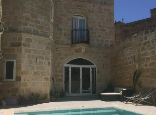 Fotos de Hotel: Farmhouse with Private Pool in Zurrieq