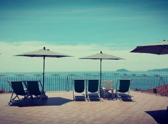 Φωτογραφίες του ξενοδοχείου: Pensione Ristorante Miramare