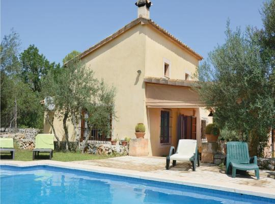 Foto dell'hotel: Holiday home Pina 40 with Outdoor Swimmingpool