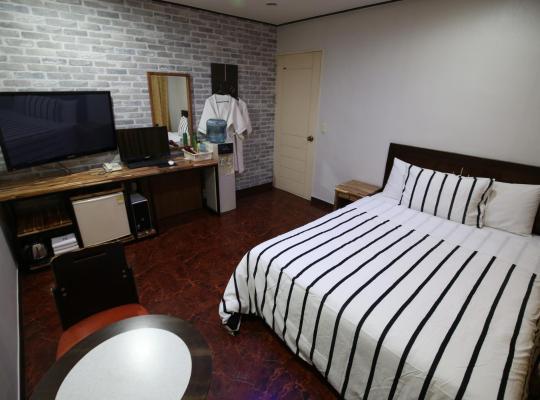 Hotel photos: Queen Motel