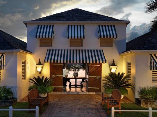 Фотографии гостиницы: Round Hill Hotel & Villas