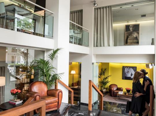 Fotografii: Hotel Miró