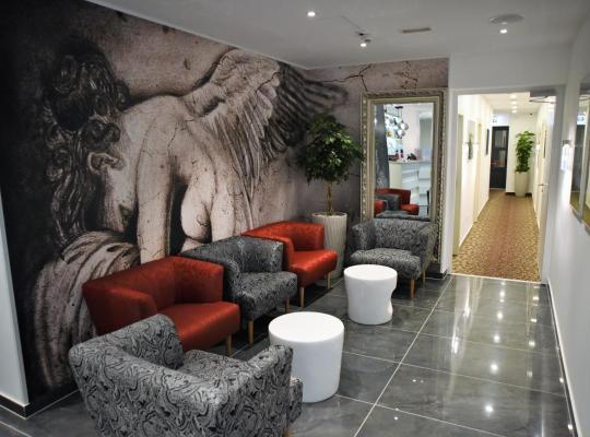 ホテルの写真: Hotel Santiny