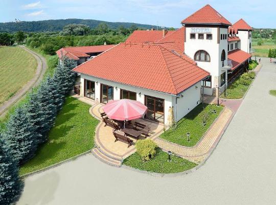 Hotel foto 's: Hotel Tyniecki