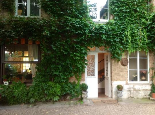 Viesnīcas bildes: Chambres D'Hôtes La Villa Aliénor