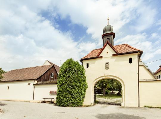 Hotel bilder: Hotel & Reitsportzentrum Kreuth