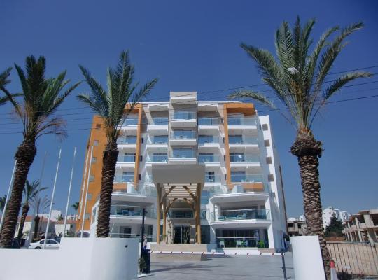 Otel fotoğrafları: Captain Pier Hotel