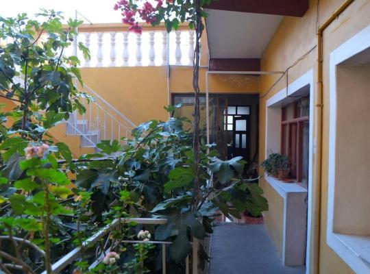 Φωτογραφίες του ξενοδοχείου: Homestay Jorge Sucre
