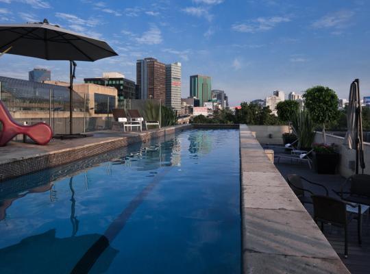 Fotos de Hotel: Las Suites Campos Eliseos