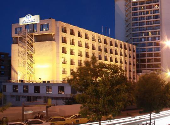 Otel fotoğrafları: Grand Palace Hotel