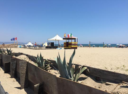 ホテルの写真: Elvyhouse Beach