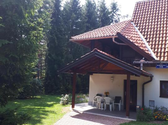 Хотел снимки: Apartmani U Borovoj Šumi