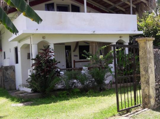 Хотел снимки: Villa La Caleta