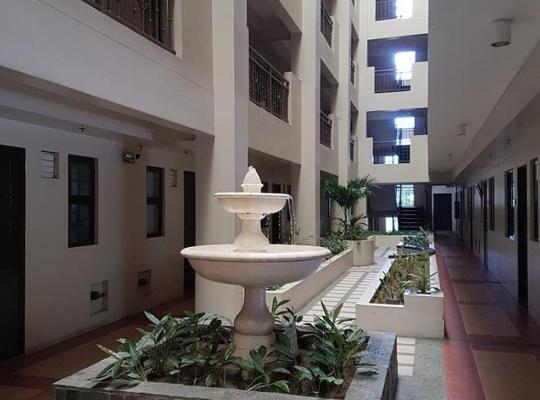 Φωτογραφίες του ξενοδοχείου: Maricielo Villas Condominium - Condo R Us