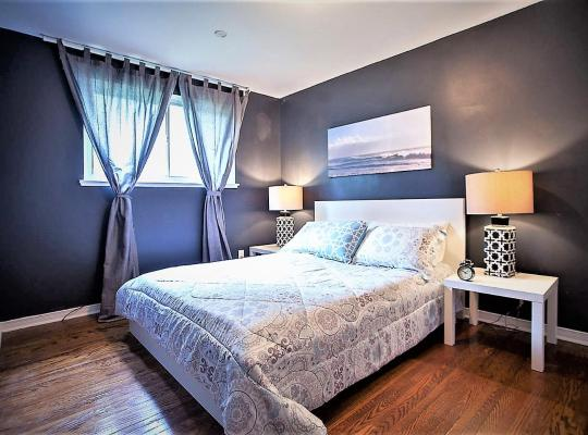 Foto dell'hotel: Lavish Suites - Four Bedroom Guest House - North York