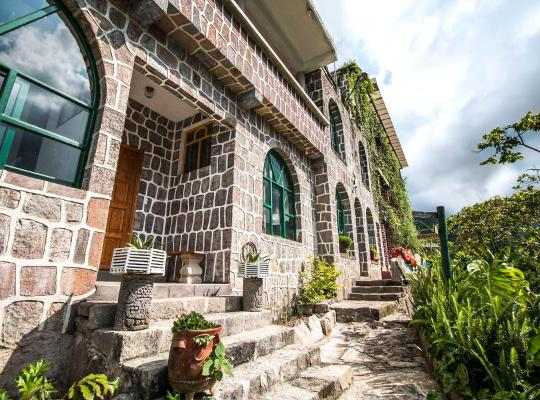 호텔 사진: Eco Hotel Uxlabil Atitlan