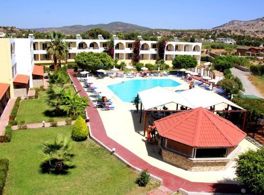 酒店照片: Lardos Bay