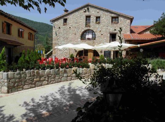 Фотографии гостиницы: Hostal Els Roures