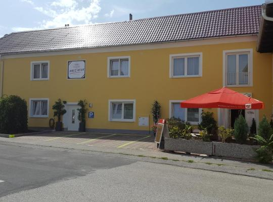 Хотел снимки: Pension Haus Nova