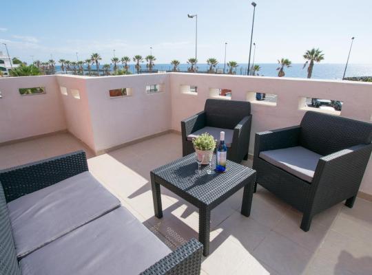Фотографии гостиницы: Fabulous Ocean Front Penthouse