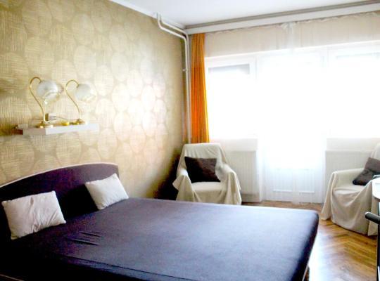 Otel fotoğrafları: Hangulat Vendégház / Apartman
