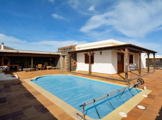 صور الفندق: Holiday Villa Ajei