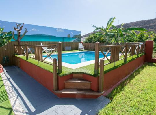 Фотографии гостиницы: Family House & Private Pool