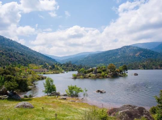 Хотел снимки: Núcleo de Turismo Rural Valle de Iruelas