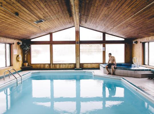 호텔 사진: Commodores Inn