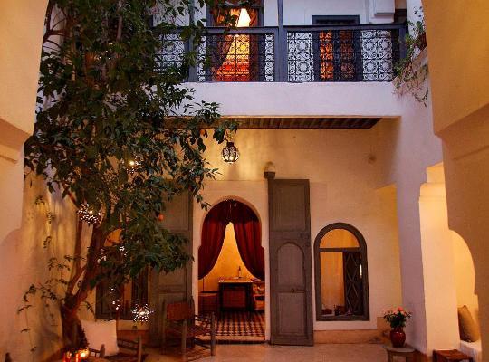 Хотел снимки: Dar Touyir