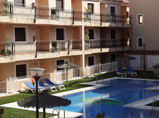 Fotografii: Apartamentos Turisticos Aguilas de los Collados