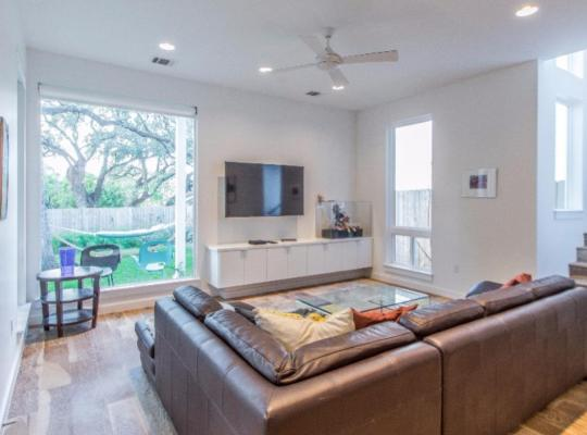 होटल तस्वीरें: South Congress Home with Yard Perfect for Large Groups!