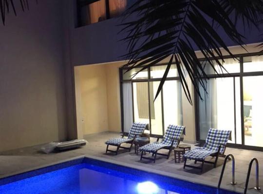 Hotel bilder: Mina Al Fajer Villas