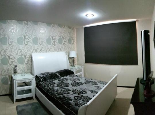 Otel fotoğrafları: Habitación confortable c/ excelentes servicios
