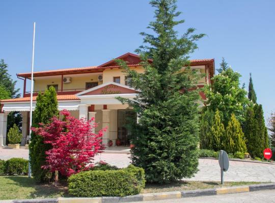 Otel fotoğrafları: Asteras Hotel