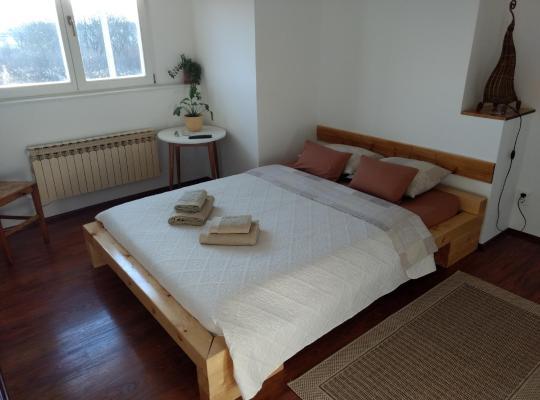 รูปภาพจากโรงแรม: Sobe Divna