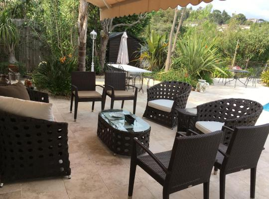 Fotos de Hotel: villa avec piscine
