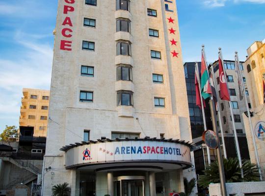 Otel fotoğrafları: Arena Space Hotel