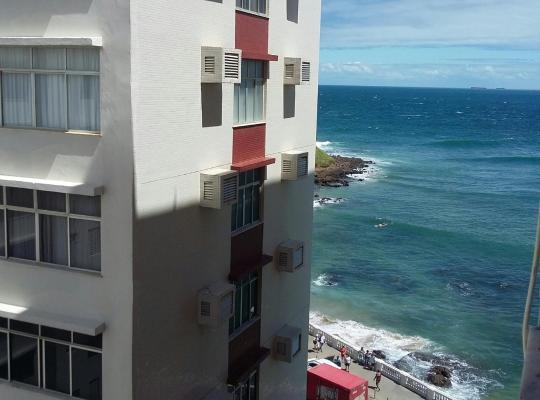 รูปภาพจากโรงแรม: Quarto e sala Vista mar