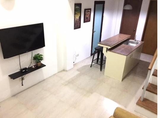 Φωτογραφίες του ξενοδοχείου: Loft Type Home Stay near NAIA 1 & 2