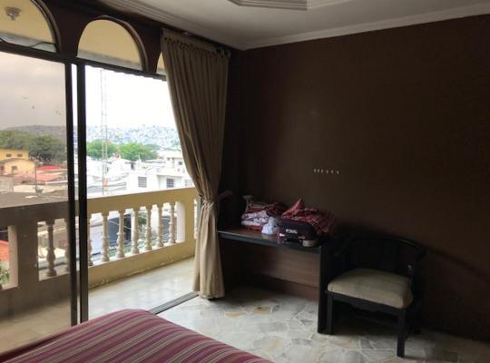 Hotel photos: Habitaciones para ejecutivos o estudiantes