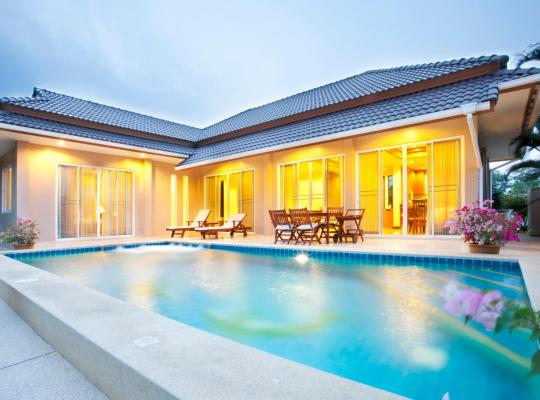 Hotelfotos: Villa with private pool
