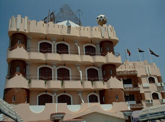 Хотел снимки: High way Hotel