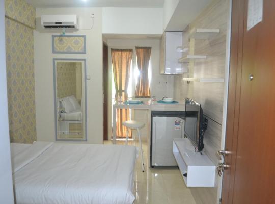 Φωτογραφίες του ξενοδοχείου: Green Lake View - Ciputat
