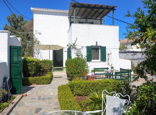 Фотографии гостиницы: Villa Anesis
