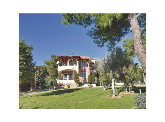 Foto dell'hotel: Six-Bedroom Holiday Home in Eretria