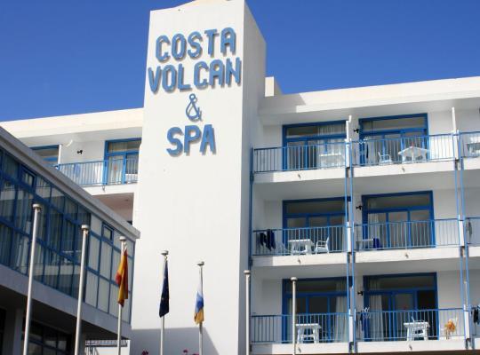 Otel fotoğrafları: Aparthotel Costa Volcán & Spa